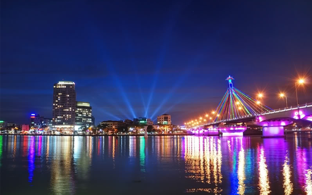 Những cảnh đẹp ở Đà Nẵng bên sông Hàn