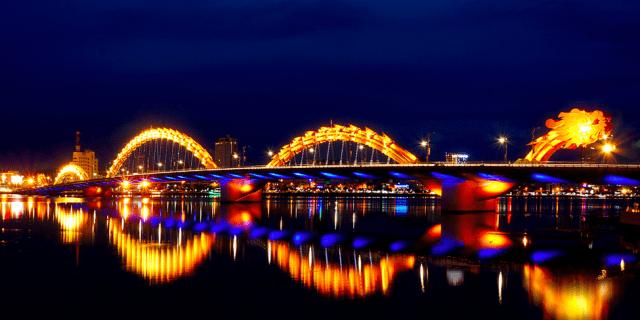 Du thuyền sông Hàn đưa khách du lịch ngắm những cây cầu 01