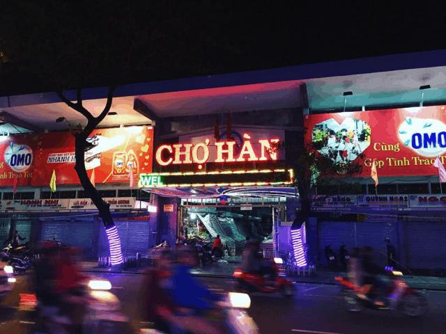 Chợ Hàn khi màn đêm buông xuống
