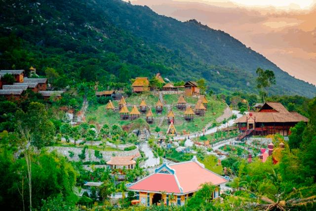 Toàn cảnh khu du lịch tắm bùn Trăm Trứng Nha Trang (Ảnh: Sưu tầm)