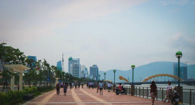Phố đi bộ Đà Nẵng ban ngày