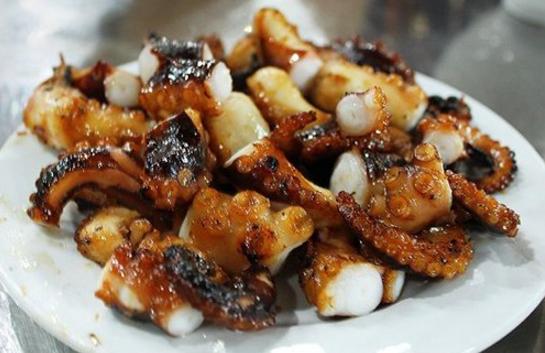 Bạch tuộc nướng sống tươi ngon