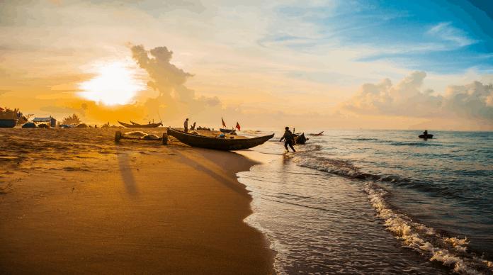Ngẩn ngơ trước cảnh sắc biển trời trong thời khắc bình minh ở biển Phước Hải(ảnh sưu tầm)