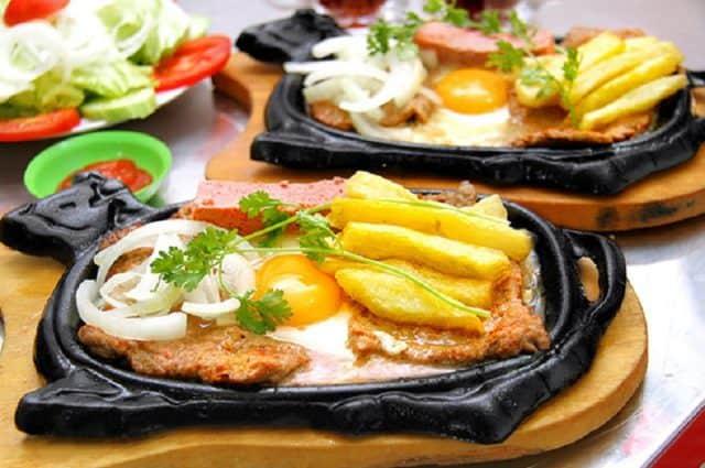 Món bò né Đà Nẵng phải được ăn khi còn nóng