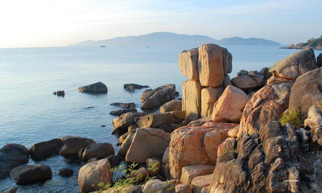 Khám phá du lịch Hòn Vợ Hòn Chồng Nha Trang
