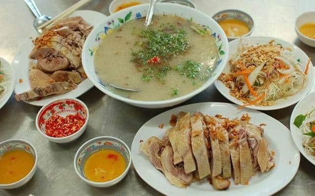 Cháo vịt ở quán ăn đêm Đà Nẵng