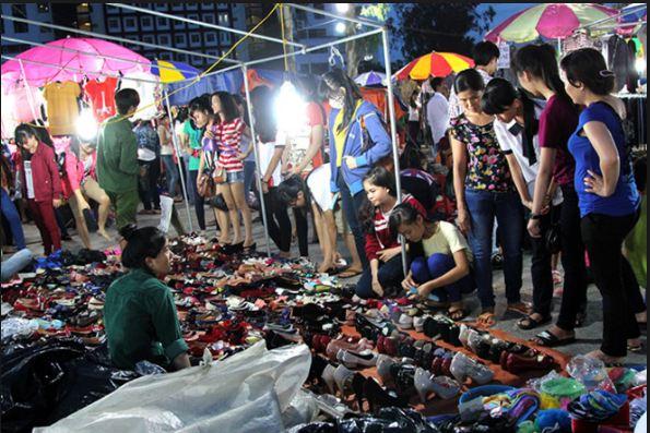 Chợ đêm Thủ Đức cho sinh viên nổi tiếng với các mặt hàng siêu rẻ