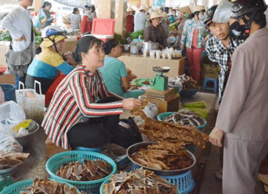 Chợ chuyên bán đồ khô ở Phước Hải