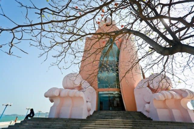 Kiến trúc mang nhiều ý nghĩa của tháp trầm hương Nha Trang