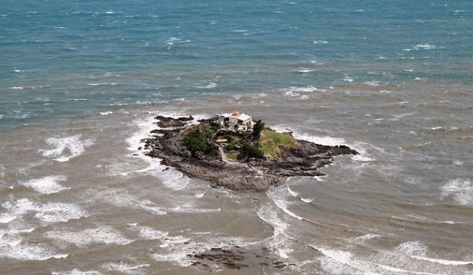 Đảo Hòn Bà nhìn từ trên cao