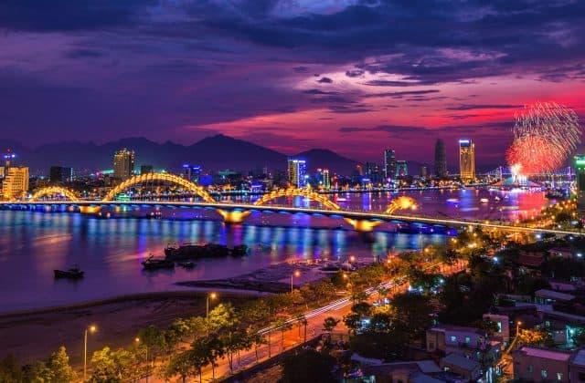 Thành phố Đà Nẵng nhộn nhịp về đêm