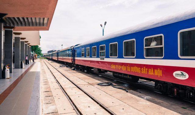 Bạn có thể tới thăm Đà Nẵng bằng tàu hỏa (Ảnh ST)