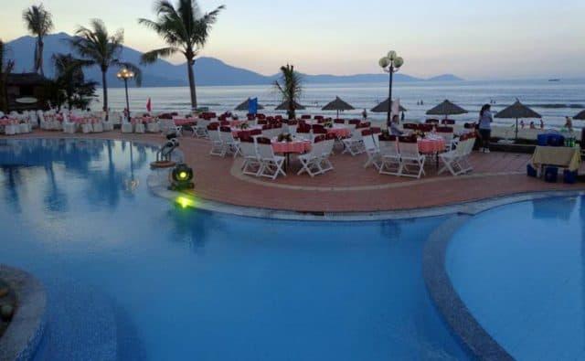 Khách sạn gần bãi biển Xuân Thiều Đà Nẵng