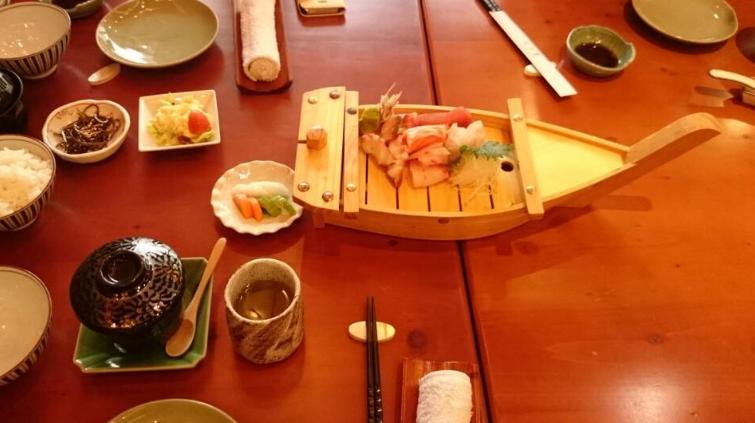 Món Sashimi tại Nhà hàng Fuji