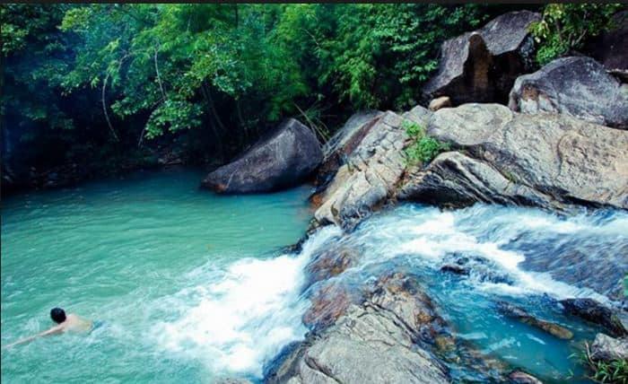 Tắm ở suối Tiên Vũng Tàu