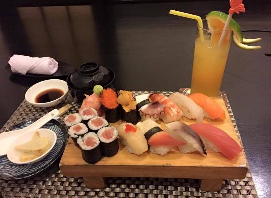 Món Sushi tại nhà hàng