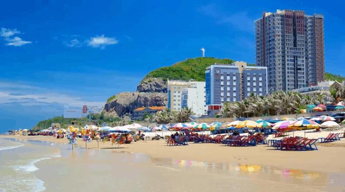 Du lịch biển Bãi Sau, điểm đến cuối tuần lý tưởng của nhiều du khách