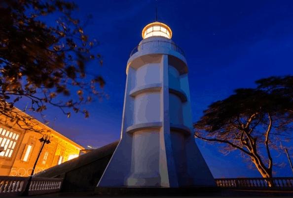 Vẻ đẹp của ngọn hải đăng Vũng Tàu lúc về đêm