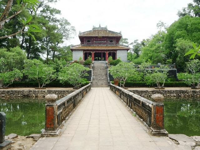 Lăng Minh Mạng - là 1 trong 7 khu lăng tẩm Huế