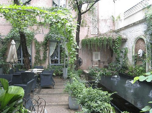 Khung cảnh thiên nhiên tươi mát tại quán Cafe Pergola