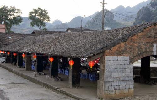 Những cây đèn lồng trên phố cổ Đồng Văn (Ảnh: sưu tầm)