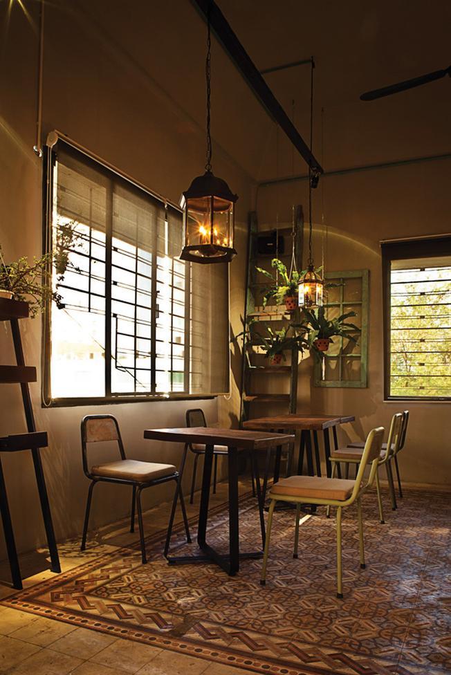 Một góc nói chuyện của Bâng Khuâng Café TP.HCM - quán cafe nhỏ đẹp (ảnh sưu tầm)