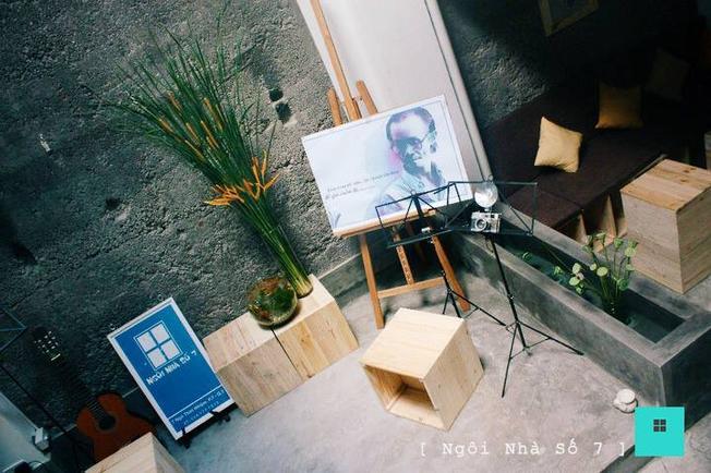 """""""Góc hát"""" của Ngôi Nhà Số 7 Café TP.HCM (ảnh sưu tầm)"""
