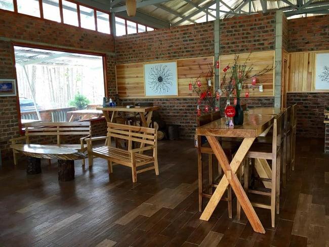 Không gian quán cafe phục vụ khách đến Zoodoo Đà Lạt