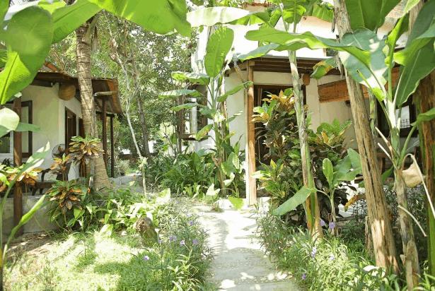 An Bàng Seaside Village