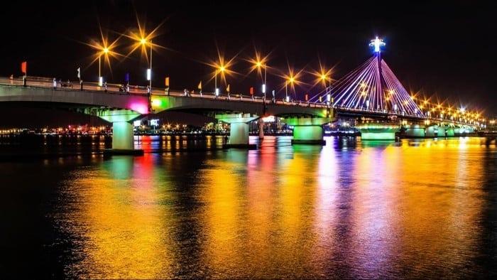 Cảnh đẹp Đà Nẵng: cầu sông Hàn