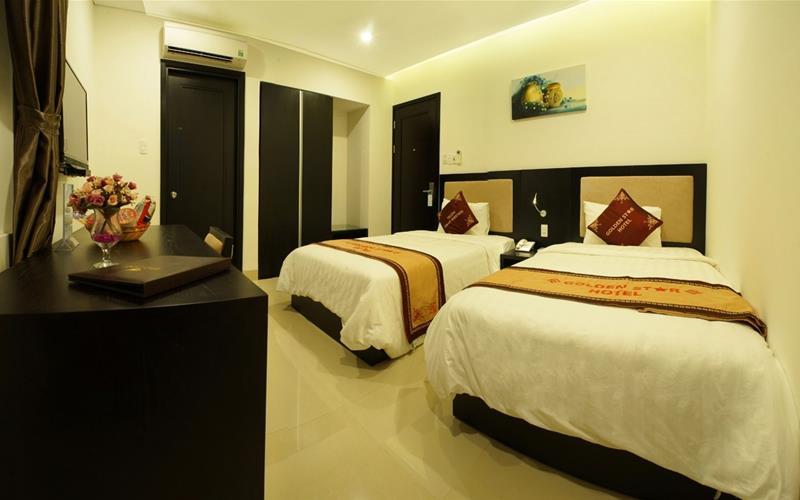 Khách sạn Golden Start 02