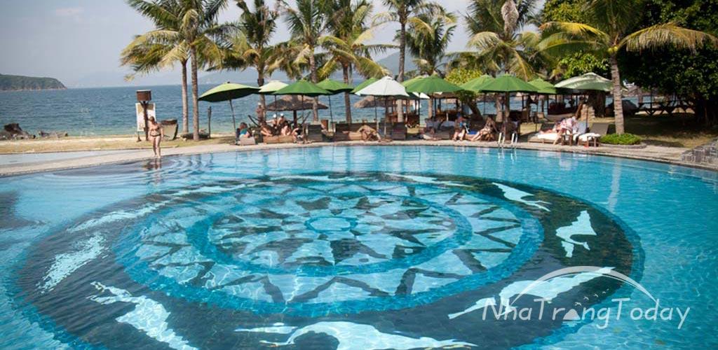 """Du lịch bụi Nha Trang """"1 chân đi"""" - Khu nghỉ dưỡng cao cấp trên đảo Hòn Tằm (Ảnh: ST)."""
