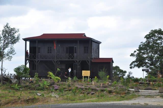 nhà ở của bác sĩ Yersin trên Hòn Bà Nha Trang
