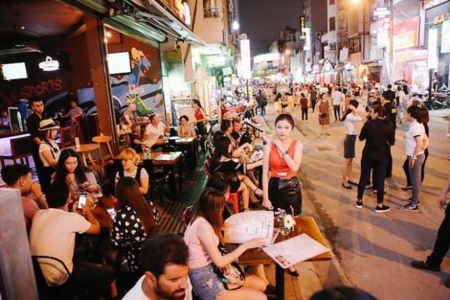 Bui Vien Street is always bustling (photo ST)