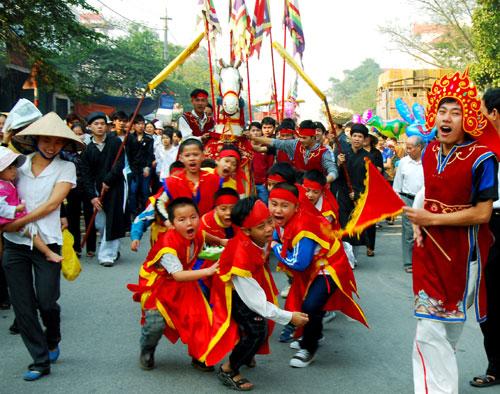 Lễ rước ngựa trong hội Lim