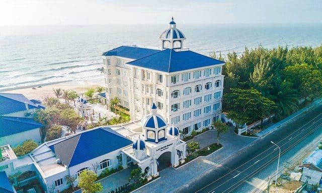 Lan Rừng Resort & Spa nằm ngay trên bờ biển Vũng Tàu