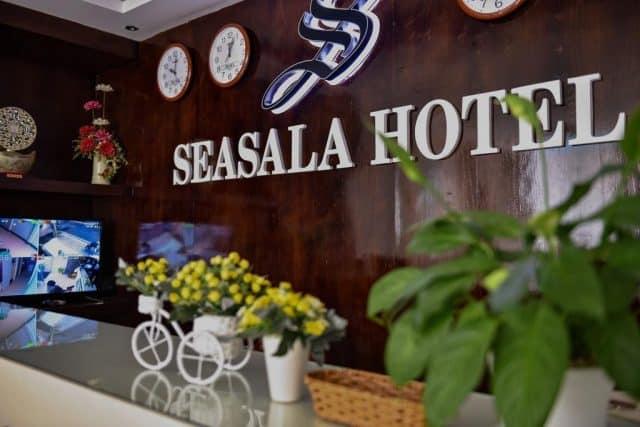 Quầy lễ tân của khách sạn Seasala (ảnh ST)
