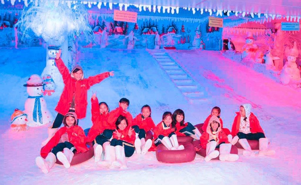 Hình ảnh lâu đài tuyết tạikhu du lịch Suối Tiên (ảnh ST)
