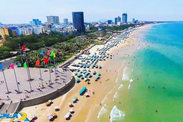Thành phố Vũng Tàu sầm uất và đông đúc khách du lịch (ảnh ST)