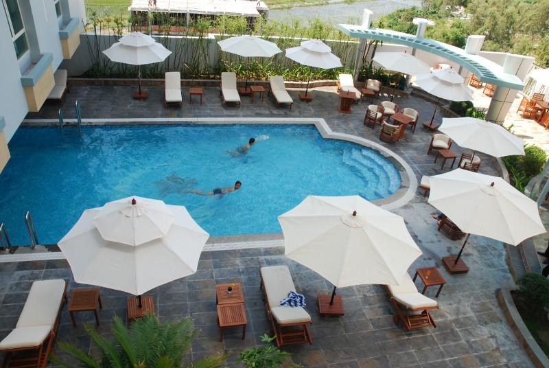 Bể bơi Kaya Hotel - khách sạn Tuy Hòa