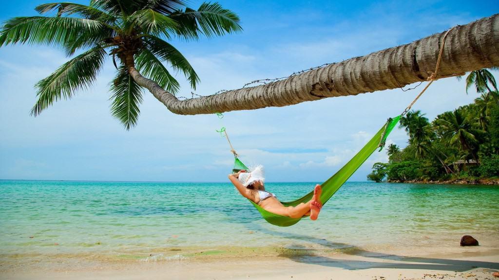 Bãi dài sóng khá êm ả, không ồn ào dồn dập, thích hợp cho một giấc ngủ trưa sảng khoái.