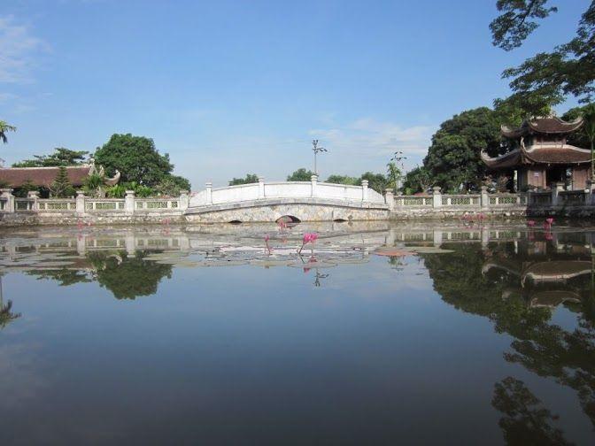 Kiếp Bạc - điểm gần chùa Côn Sơn