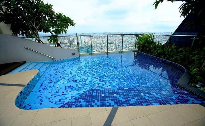 Sunny Tropical Hotel