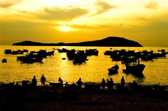 Beautiful view of O Loan at sunset (Photo ST)