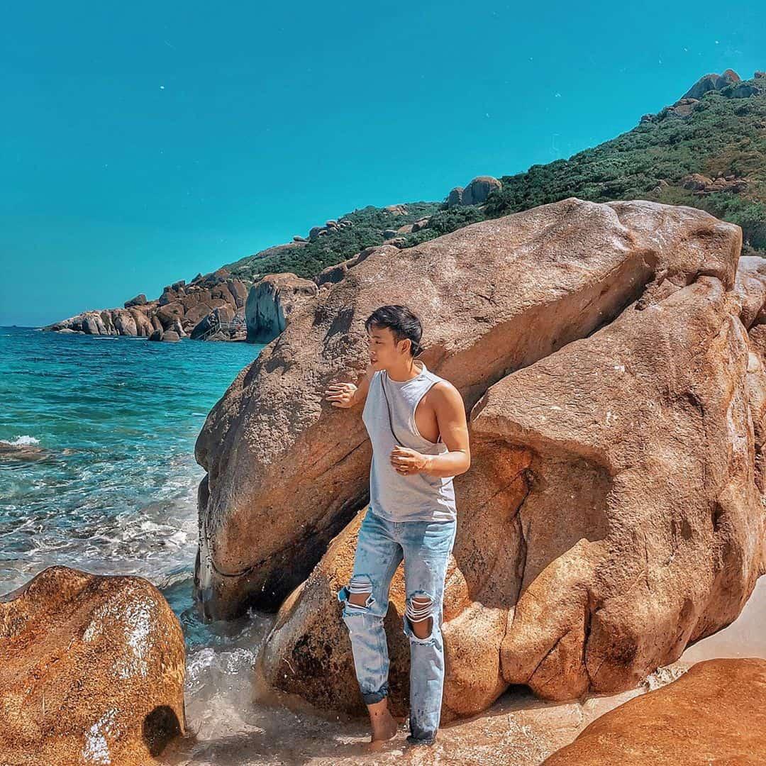 Những tảng đá ấn tượng trên Bình Ba. Ảnh: @liti57