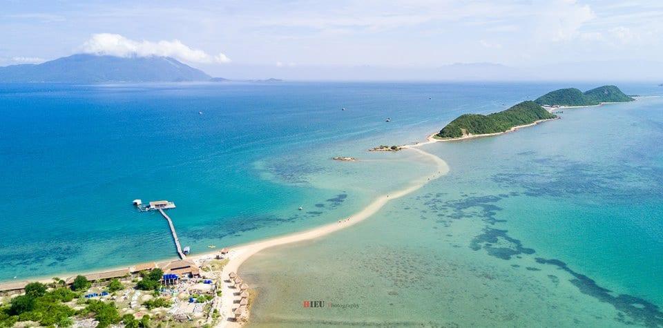 Con đường trên biển tuyệt đẹp tại đảo Điệp Sơn. Ảnh: Trần Trung Hiếu