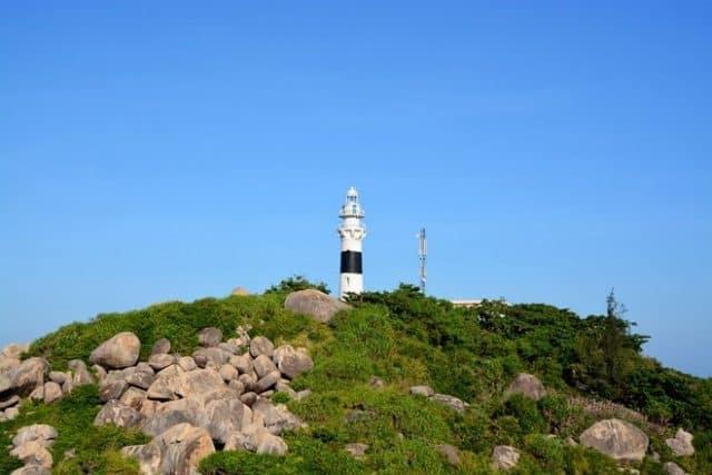 ngọn hải đăng trên Cù Lao Xanh