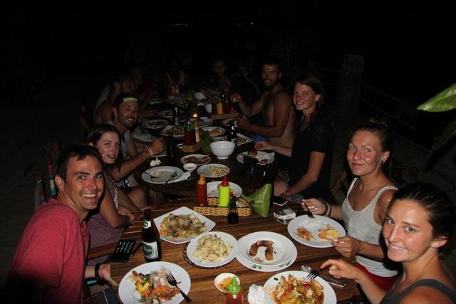 Khách sạn Quy Nhơn giá rẻ - Big Tree Backpackers and Bistro