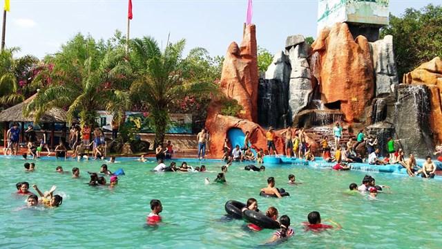 Khu vui chơi tại khu du lịch Long Điền Sơn