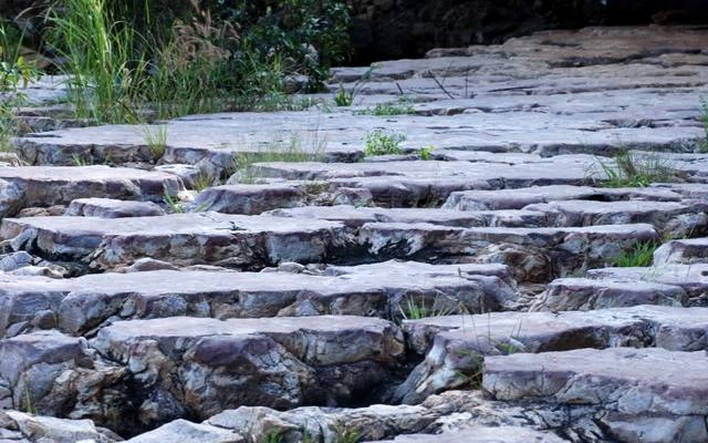 Giường đá - suối Trúc Tây Ninh